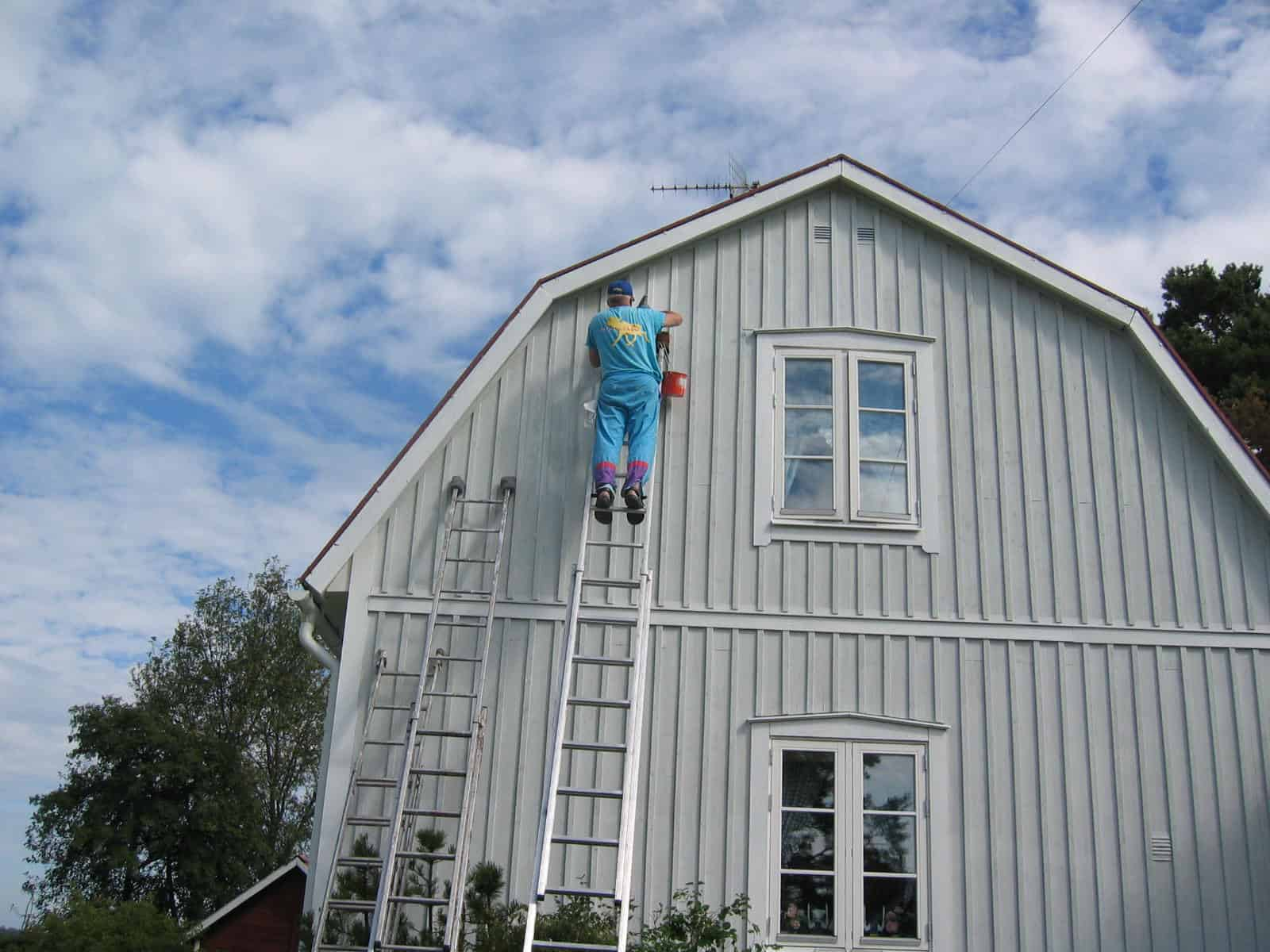 huis schilderen met moose f rg betimmering gevel en