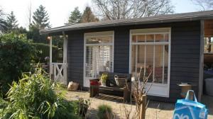 Tuin huis schilderen met Blytungssvart loodgrijs