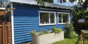 Tuinhuis in sommer bla Zomerblauw